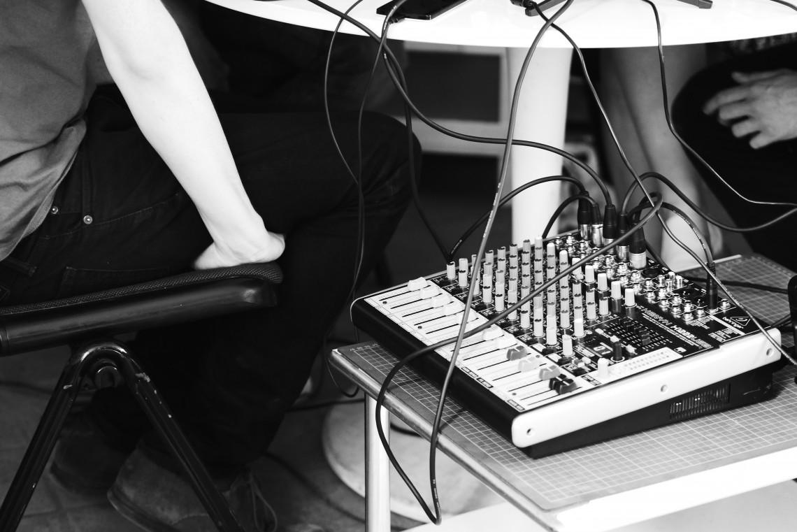 Enregistrer un podcast table de mix